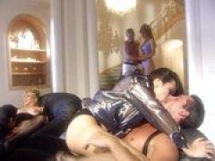 Hausfrauen werden bei der Sex Orgie gebumst