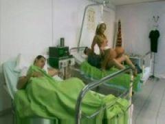 Krankenschwester Valentina beim Analsex