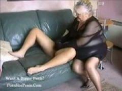 Fette Oma verwöhnt den Schwanz